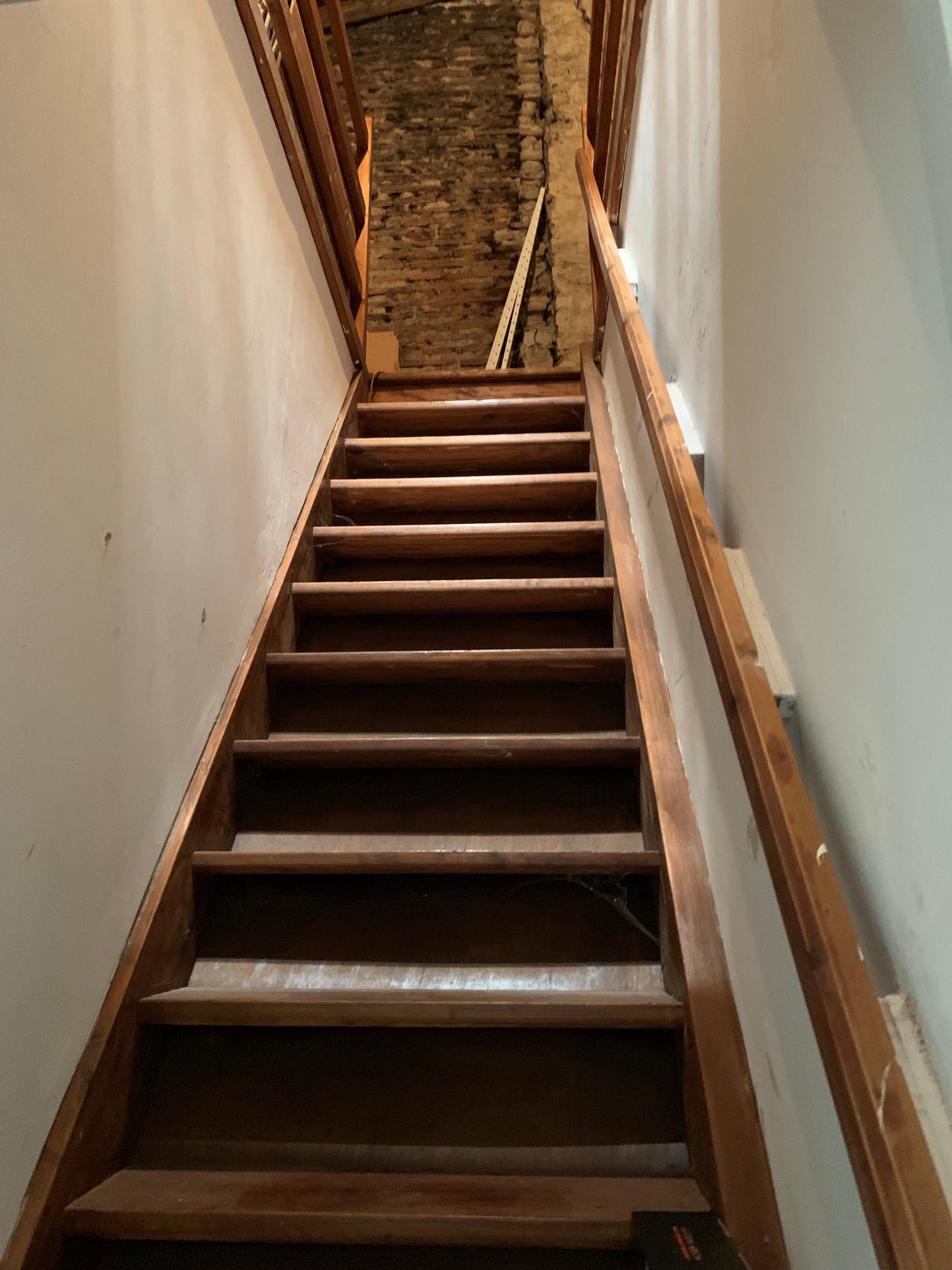 Escalier accès aux combles